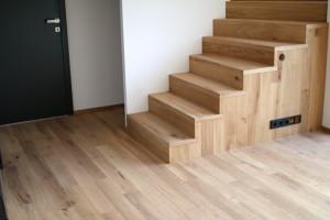 yesfloor, dřevěná podlaha, dřevěné prkna, dřevěná schodiště