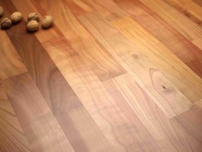 dřevěná podlaha třešeň