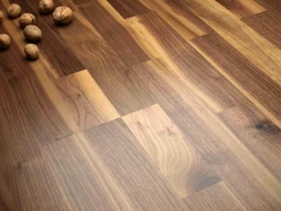 dřevěná podlaha ořech americký